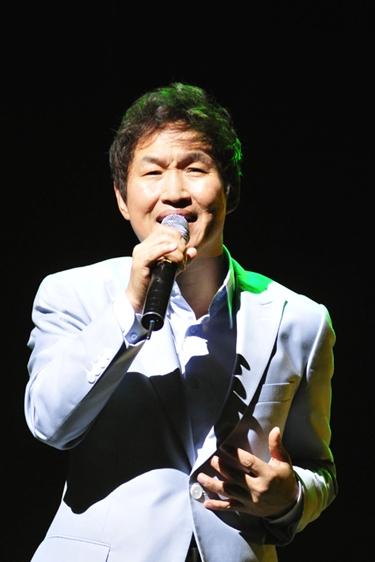가수 - 김범용.jpg